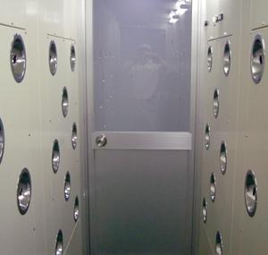 エアーシャワー装置(7名用)